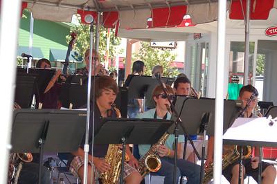 DHS Jazz Band at Nut Tree: 2010