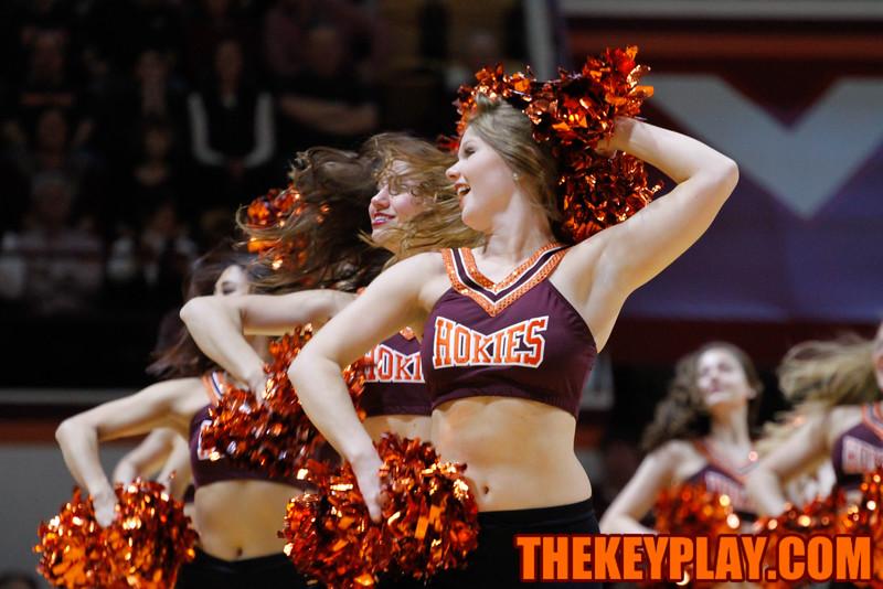 The High Techs perform during a TV timeout. (Mark Umansky/TheKeyPlay.com)