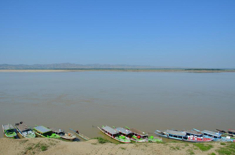 DSC_4063-irrawaddy-at-bupaya.JPG