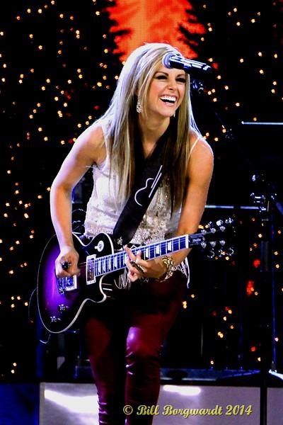 Lindsay Ell - CCMA Holiday Special