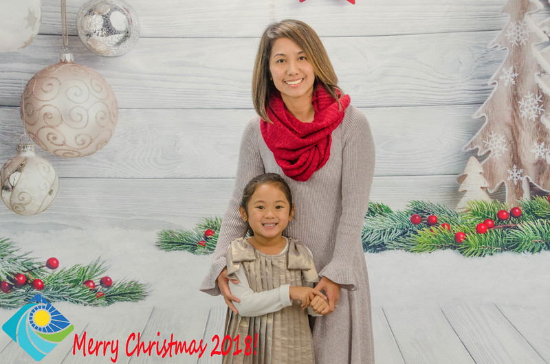 Christmas Photobooth 2018 Sunday-162.jpg