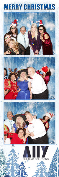 2018 ALLY CHRISTMAS PARTY BOOTH STRIPS_30.jpg