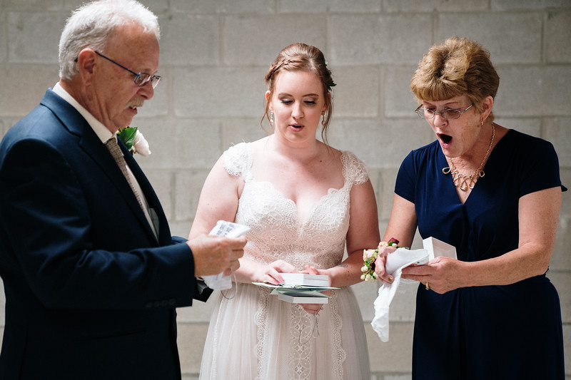 rustic_ohio__fall_barn_wedding-162.jpg