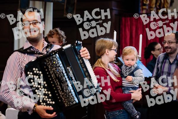 © Bach to Baby 2017_Alejandro Tamagno_RegetntsPark_2017-07-15 033.jpg