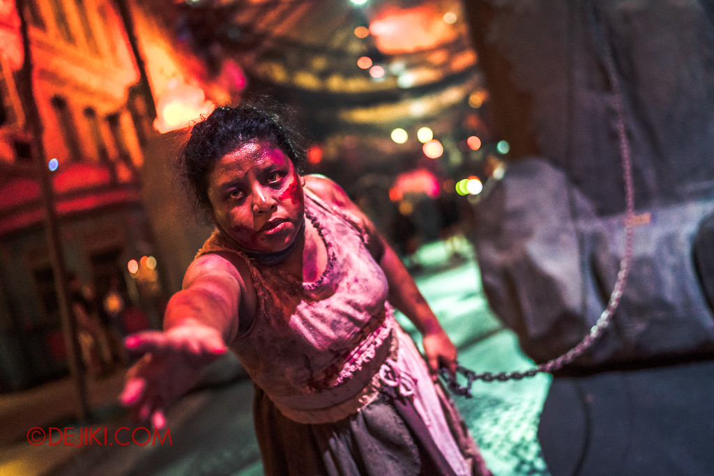 Halloween Horror Nights 7 - Pilgrimage of Sin / Perversion chained girl