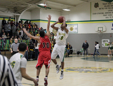 09 Boys Basketball vs Lincoln