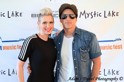 Thompson Square M&G (Lakefront 2018)