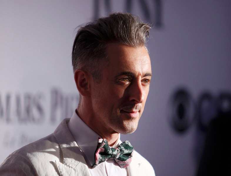 . Actor Alan Cumming arrives to the American Theatre Wing\'s annual Tony Awards in New York June 9, 2013. REUTERS/Carlo Allegri