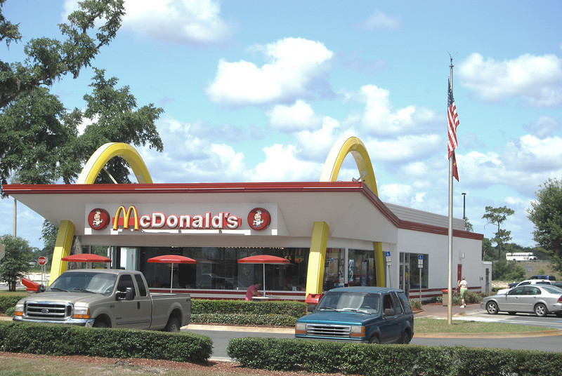 25 Bushnell Florida McDonalds with Golden Arches.jpg