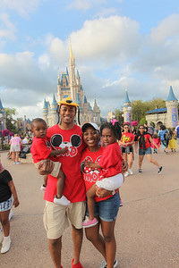 King Family visits Disney's Magic Kingdom