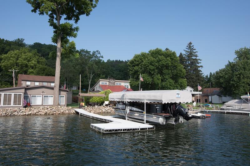 Boat1024.jpg