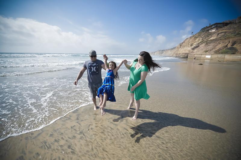 beach family (25 of 18).jpg