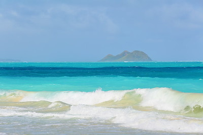 Moku Islands from Waimanalo Beach. © 2020 Kenneth R. Sheide