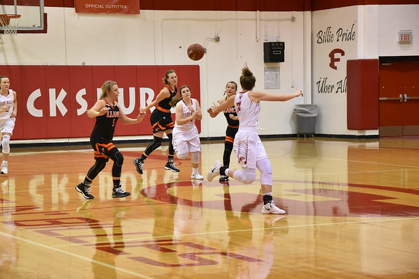 FHS basketball 11-15-17