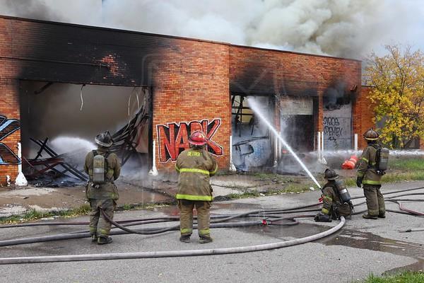 Detroit MI - Box Alarm - October 25, 2013 - Hudson St. & Missouri St.