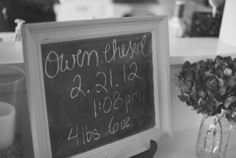 Owen1stBDay1_0445bw.jpg