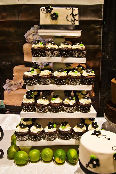 cupcake tower 2.jpg