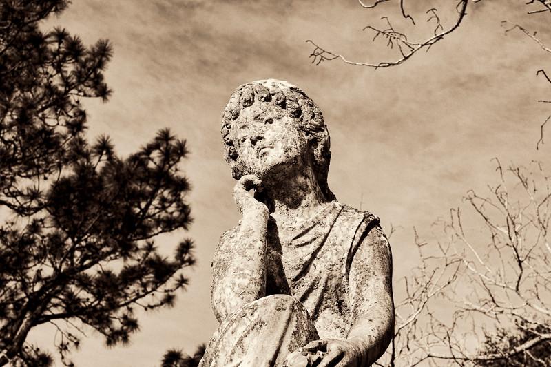 2007-03-03 Statue in Glendale Cemetary a.jpg