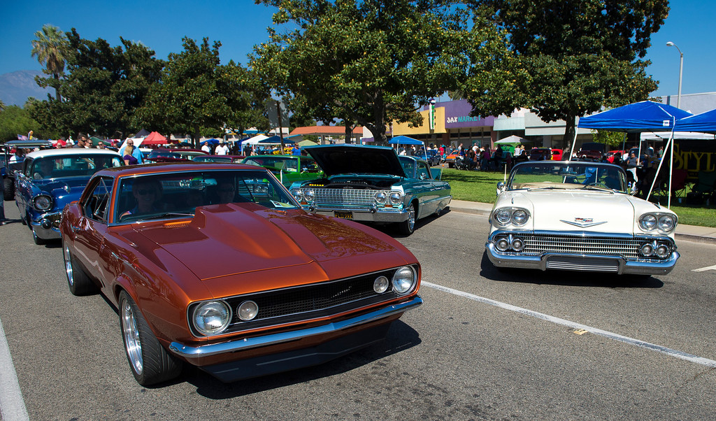 """. IDB-L-DBROUTE66-SAT-01 Classic cars line Euclid Ave in Ontario, for the  \"""" Route 66 Cruisin� Reunion\"""", on Saturday, September 21, 2013. (photos by Frank Perez for the Daily Bulletin)"""