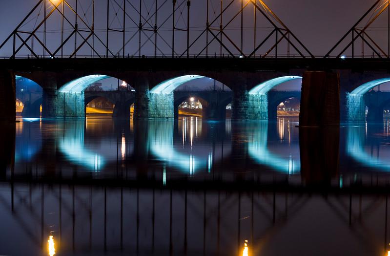 harrisburg - market street bridge reflection(p).jpg