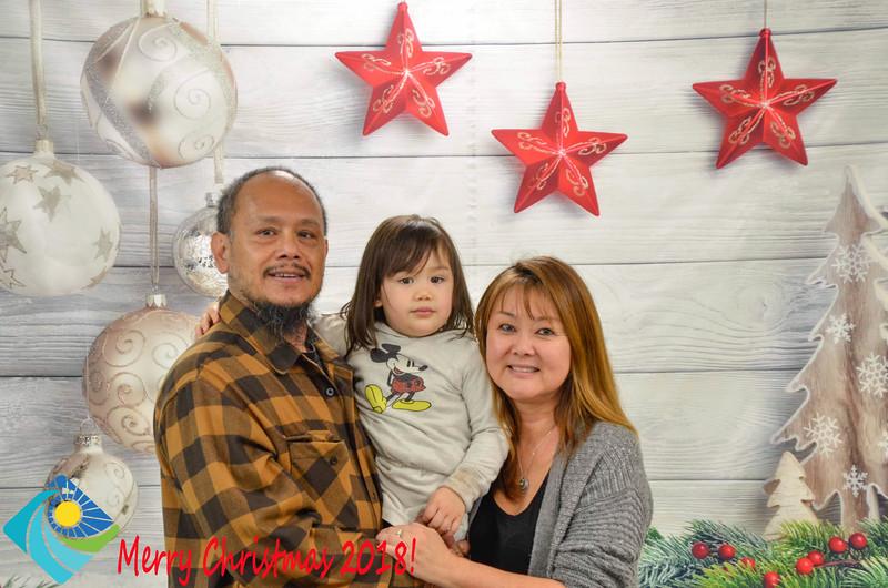Christmas Photobooth 2018-057_01.jpg