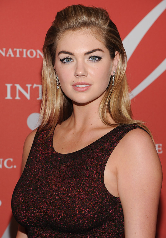 ". Model Kate Upton attends the Fashion Group International\'s 30th annual ""Night Of Stars\"" awards gala at Cipriani\'s Wall Street on Tuesday, Oct. 22, 2013, in New York. (Photo by Evan Agostini/Invision/AP)"