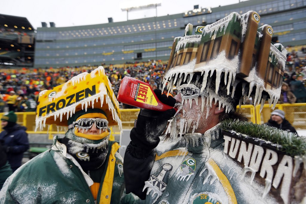 """. <p><b> Green Bay Packers fans who witnessed Sunday�s playoff game at Lambeau Field got a bracing reminder that � </b> <p> A. Their team has a hard time beating the San Francisco 49ers <p> B. Aaron Rodgers� presence does not guarantee victory <p> C. They live in the most godforsaken icebox in America <p><b><a href=\'http://www.twincities.com/sports/ci_24853282/green-bay-packers-loss-leaves-fans-cold-disappointed\' target=\""""_blank\"""">HUH?</a></b> <p>    (AP Photo/Mike Roemer)"""