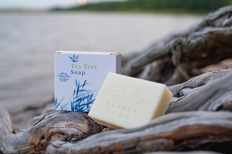 Saaren Taika teepuusaippua tea tree soap Veera suolasaippua salt soap (2 of 33).jpg