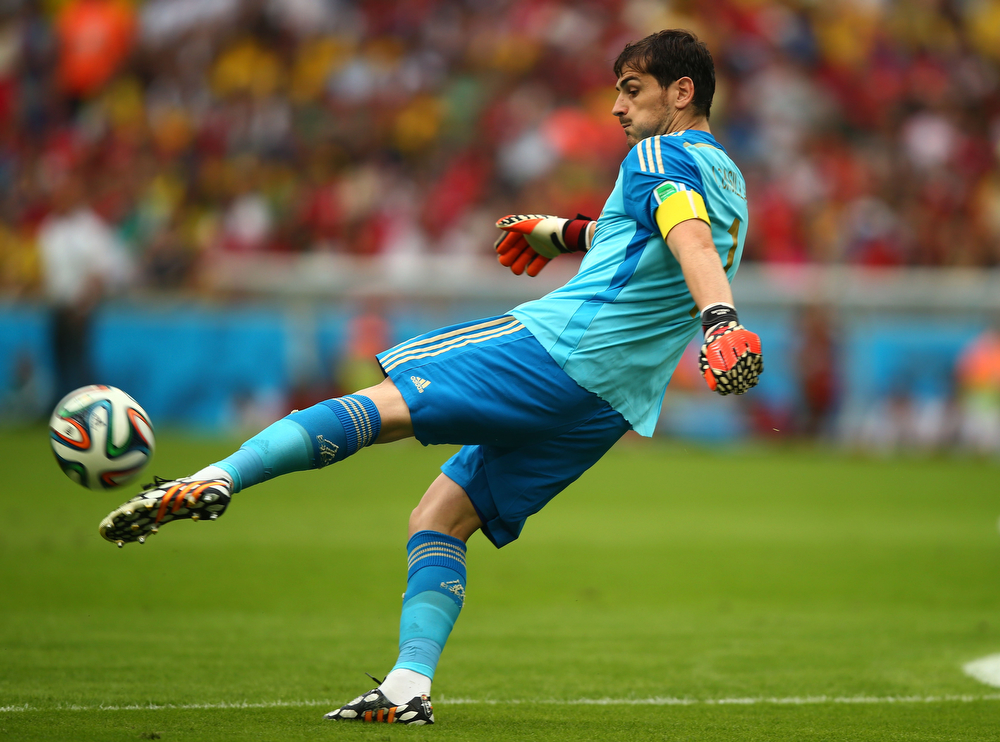 . Iker Casillas of Spain punts the ball during the 2014 FIFA World Cup Brazil Group B match between Spain and Chile at Maracana on June 18, 2014 in Rio de Janeiro, Brazil.  (Photo by Clive Rose/Getty Images)