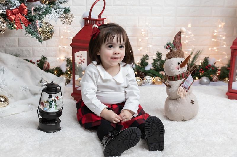 12.21.19 - Fernanda's Christmas Photo Session 2019 - -32.jpg