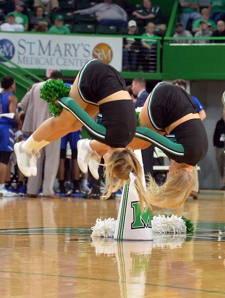 cheerleaders2769.jpg