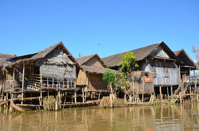 DSC_4418-canal-huts.JPG