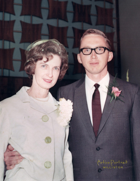 1969-05-31 Annie Kennedy and Bill Geary at his wedding.jpg