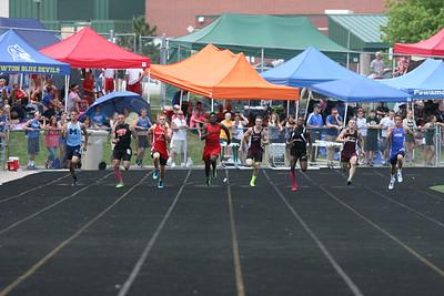 D3 Boys' 200 Meter Finals - 2014 MHSAA LP T&F Finals