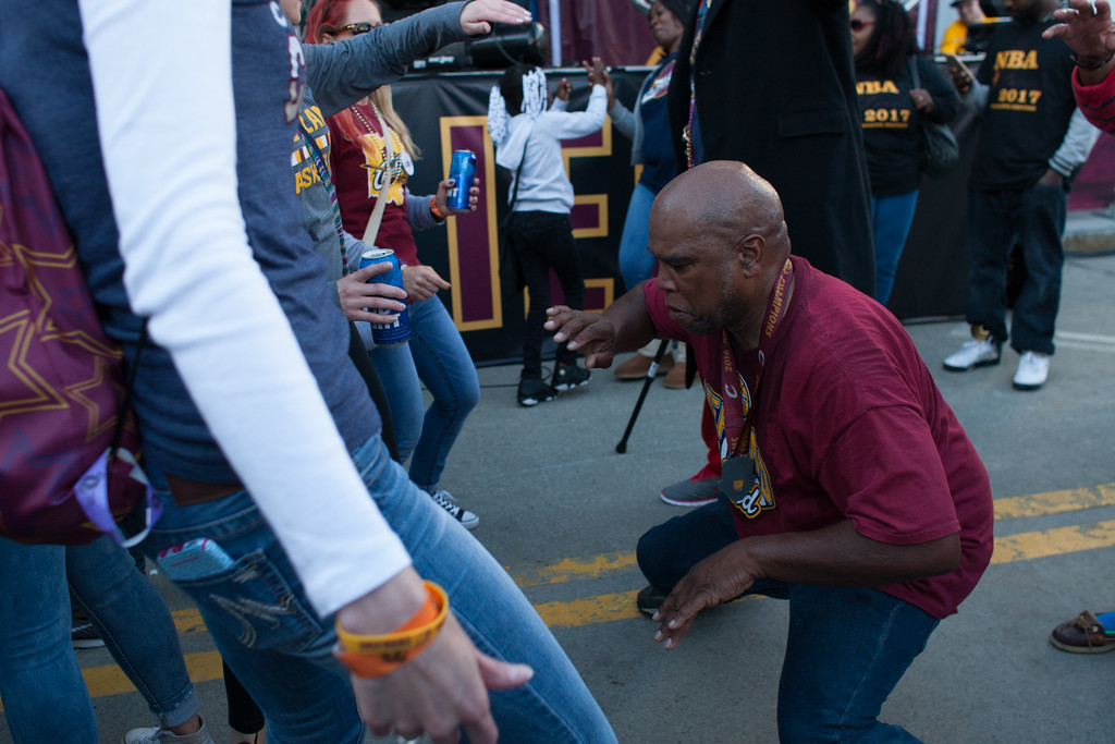 . Michael Johnson - The News-Herald Fans get ready for Game 3 of the NBA Finals between the Cavaliers and Warriors on June 7 in Cleveland.