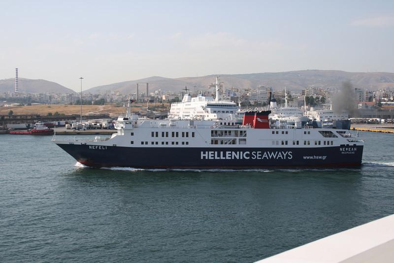 2011 - F/B NEFELI departing from Piraeus to Aegina.