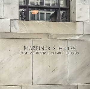 MG visits Federal Reserve 190510