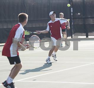 robert-e-lee-defeats-longview-in-team-tennis-match-106