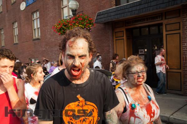 ZombieWalk2012131012033.jpg