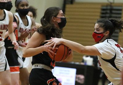 022421 McHenry vs Huntley Girls Basketball (MA)