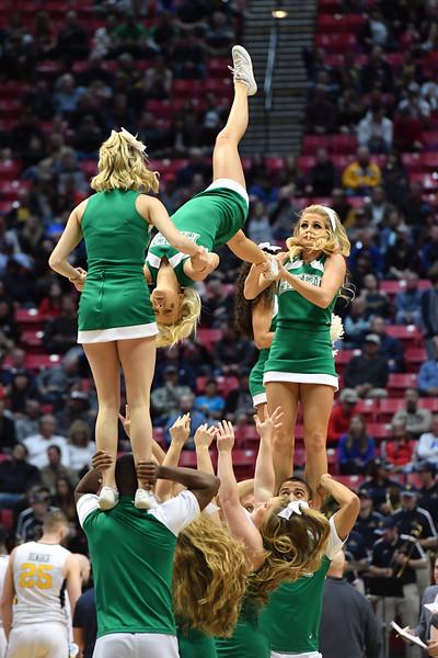 cheerleaders1015.jpg