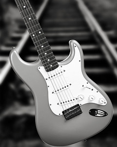 Fender Strat Guitar in Black and White set 2110A