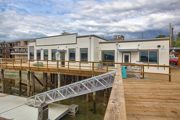 Boathouse 19