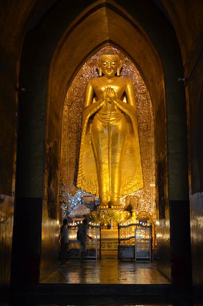 DSC_3878-ananda-phaya-standing-buddha.JPG