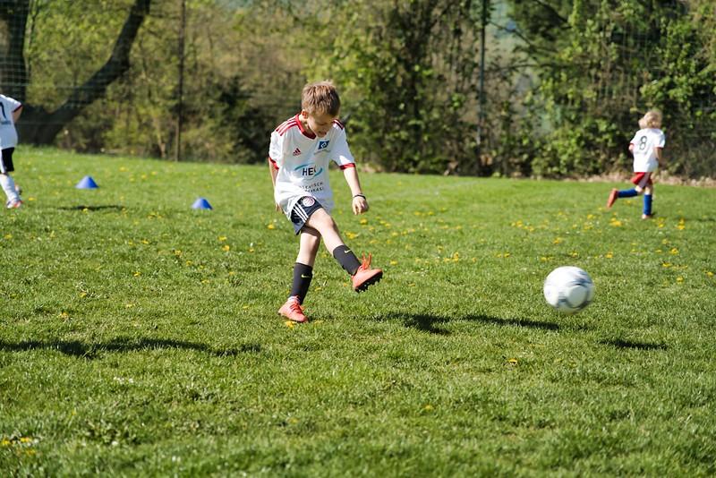 hsv-fussballschule---wochendendcamp-hannm-am-22-und-23042019-w-20_40764454393_o.jpg