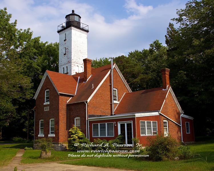Lighthouse cropped.jpg