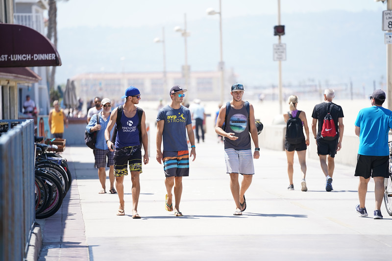 Wallking along the Strand in Hermosa Beach on a summer afternoon