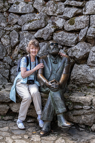 Ruth and Gaudi 1909063862.jpg