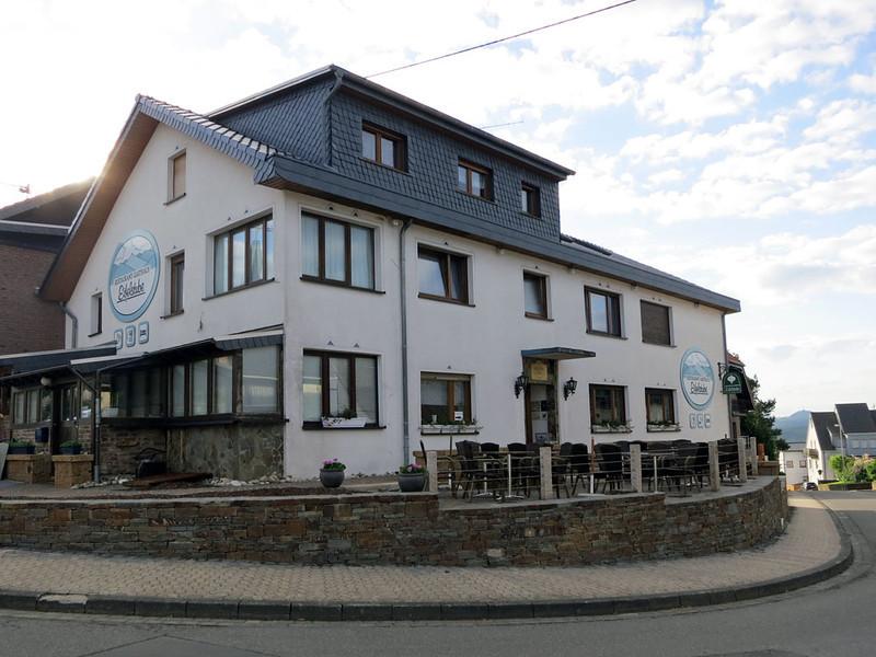 Nurburgring Eifelstube Gasthaus.jpg