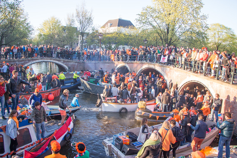 King's Day off the Prinsengracht